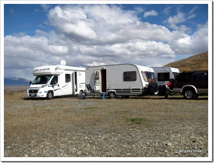 Real rough camping alongside the Tekapo canal.