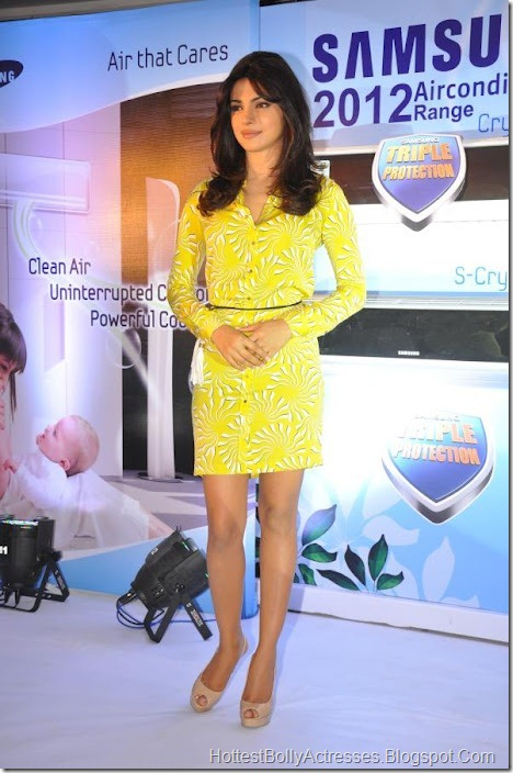Priyanka Chopra Sexy Pics in Yellow Dress 7