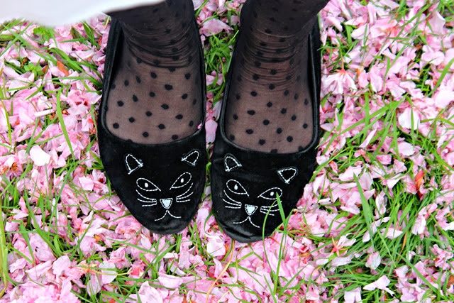 kitty-shoes-cat-shoes-charlotte-olympia-cat-shoes-blossom-spring