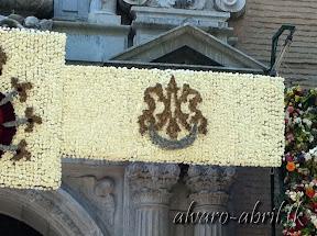 paneles-ofrenda-floral-virgen-de-las-angustias-de-granada-año-jubilar-centenario-2013-alvaro-abril-(4).jpg