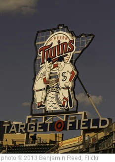 'Minnesota Twins - Target Field' photo (c) 2013, Benjamin Reed - license: https://creativecommons.org/licenses/by-sa/2.0/