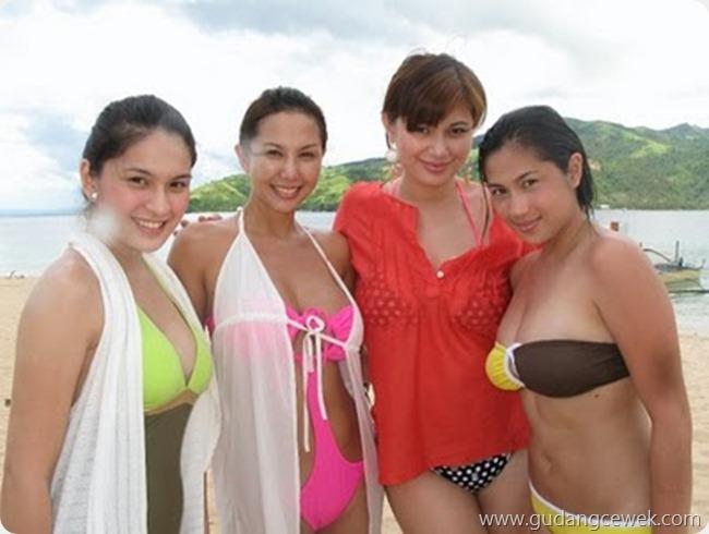 Seksinya Cewek Indo Saat Memakai Bikini || gudangcewek.com