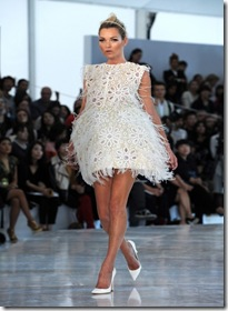 Kate-Moss-Models-Louis-Vuitton-Spring-Summer-2012-Fashion-Show-Paris-France-white-dress-photo