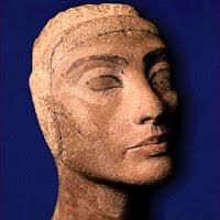 14.- Cabeza de Nefertiti