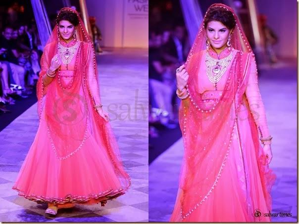 Jacqueline_Fernandez_Tarun_Tahiliani_Salwar_Kameez(1)
