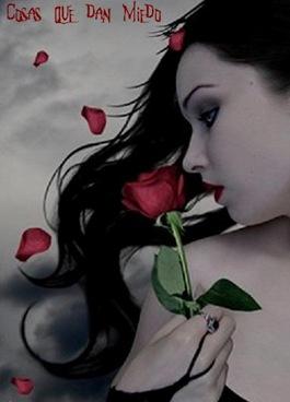 MujerGotica-CosasQueDanMiedo-junio0605
