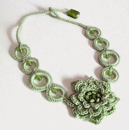 Collares tejidos a crochet con patrones - Imagui