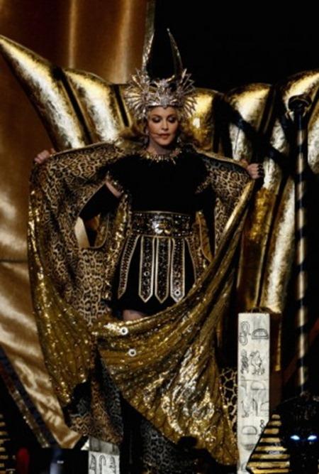 Madonna- Super Bowl Halftime Show 3