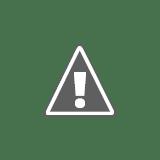 Petr a Míra obědvají