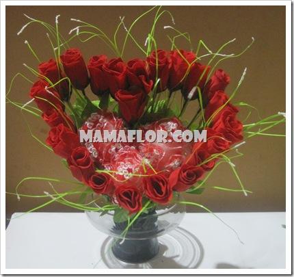 Como Hacer un Arreglo floral en Forma de Corazón - Manualidades ...