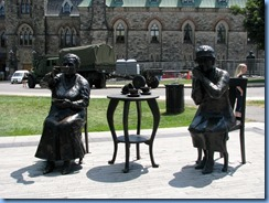 6223 Ottawa - Parliament Buildings grounds - Women Are Persons! statue