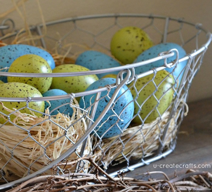 Speckled Easter Egg Mantel