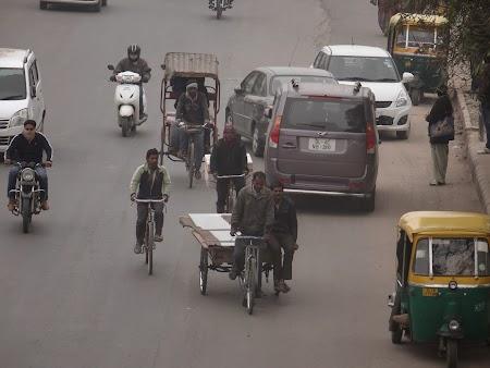 22. Ricse prin Delhi.JPG