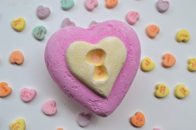 Lush Valentines Day Love Locket Bath Bomb Review