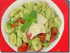 Gnocchi di patate e piselli con pomodoro e menta