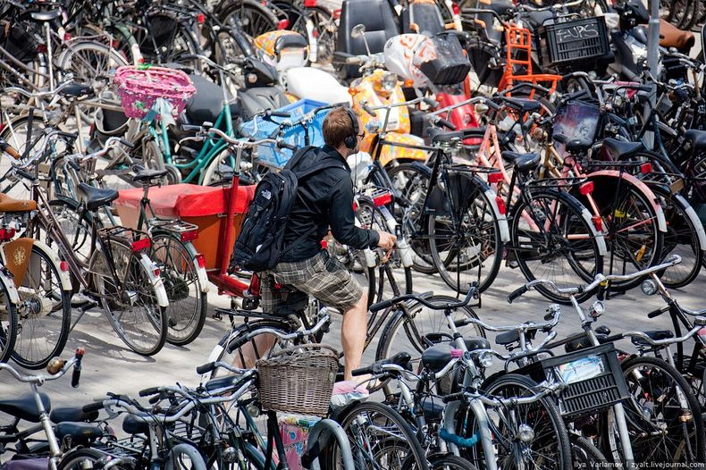 amsterdam-bicycles-3