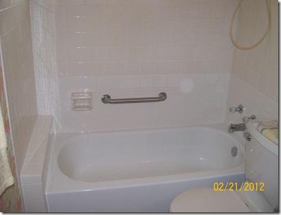 Fini the tub! 001