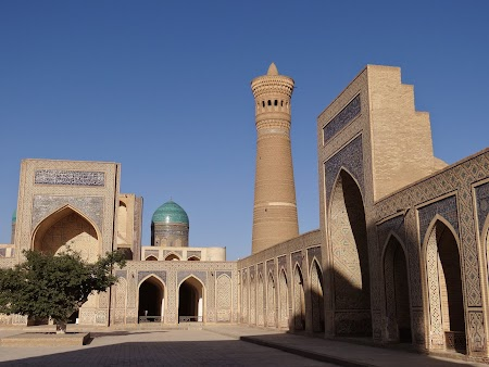 36. Moscheea Kalon.JPG