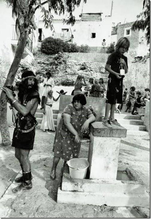 Oriol-Maspons_-Hippies_-Ibiza-1976