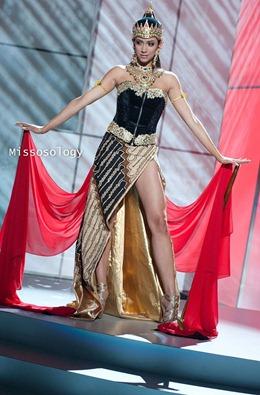 miss-uni-2011-costumes-74