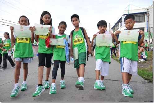 500 little champions received brand new rubber shoes from MILO's 4-year campaign, the Help Give Shoes advocacy.
