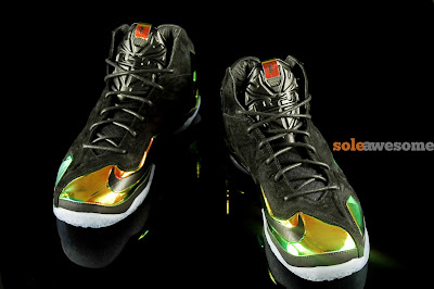 nike lebron 11 nsw sportswear ext kings crown 1 01 Detailed Look at Kings Crown LeBron 11 EXT (677693 001)