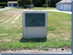 2207 Pennsylvania - Abbottstown, PA - Lincoln Hwy (Hwy 30) - 2nd of 2 WWl Road of Remembrance markers