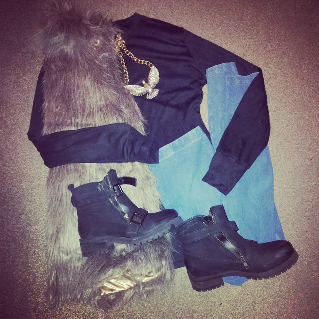 Gilet, Boots, Jeggings