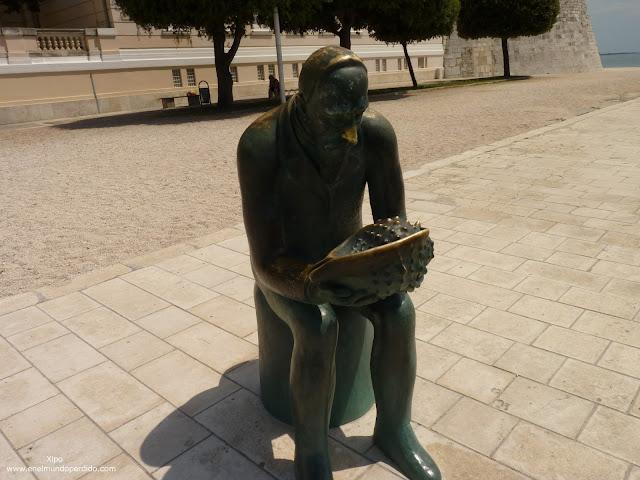 Escultura-de-spyridon-bruseina.JPG