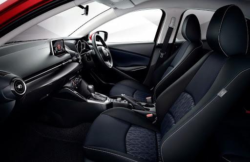 2015-Mazda2-Demio-25.jpg