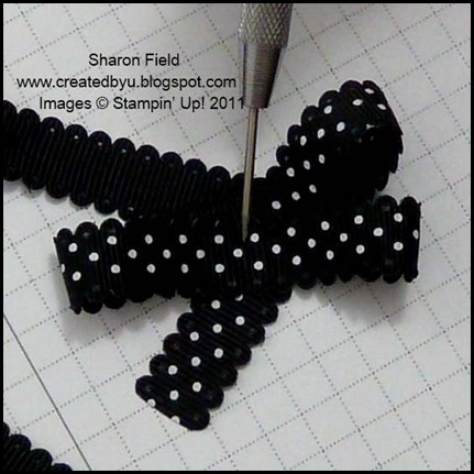 Triple_brad_bow, Sharon_Field, Super_saturday, Tutorial, dotted_scalloped_ribbon, ribbon_Bow, Createdbyu_blogspot, Antique_brad