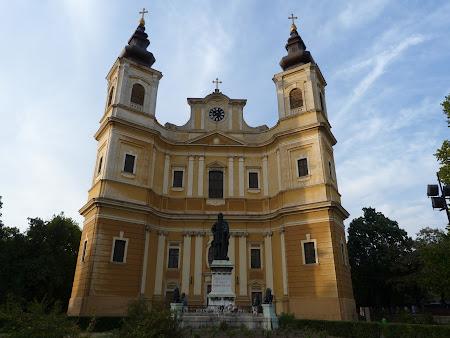Obiective turistice Oradea: Catedrala Romano Catolica