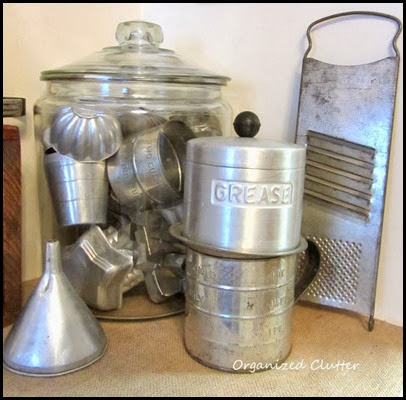 aluminum in Glass organized clutter pic