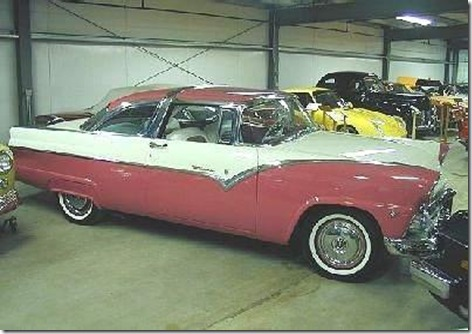 1955_Ford_Fairlane_Crown_Victoria_pink-and-white-1