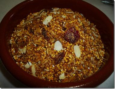 3.- Mi granola tiene ajonjolí amaranto y almendras fileteadas