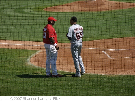 'Randall Simon & Jair Jurrjens' photo (c) 2007, Shannon Lamond - license: http://creativecommons.org/licenses/by/2.0/