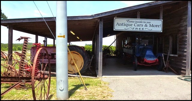 06c - McLeods Farm Stand - Antique Museum