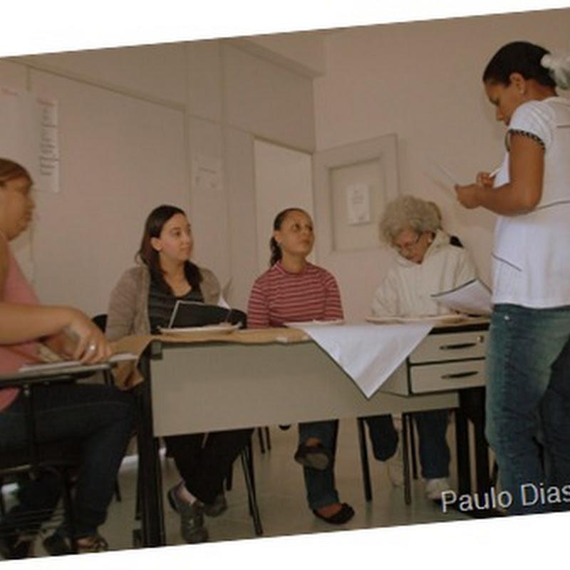 Alunos da Escola de Gastronomia encenam Teatro em Inglês