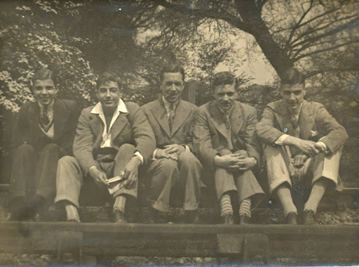 Jim Weeks (Far right) with Maitland Ramblers. 1915 to 1930. lh6.ggpht.com