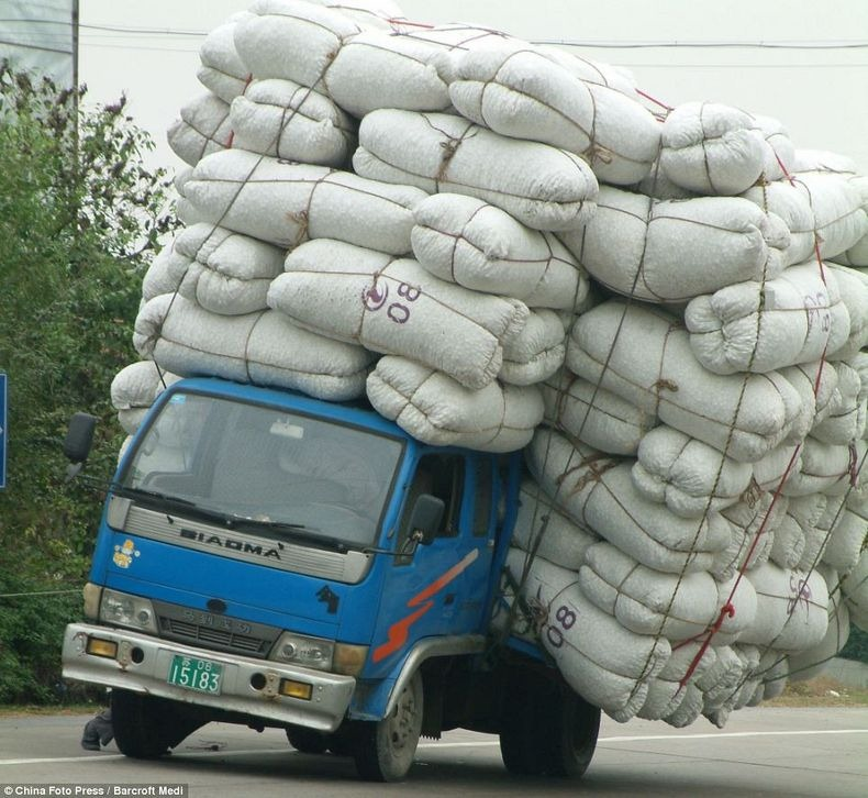 overloaded-vehicles-china-10