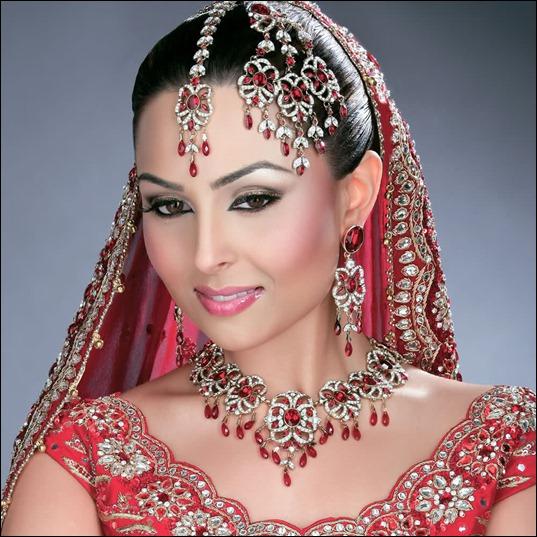 Эротичные девушки индии фото с пышными формами фото 354-537