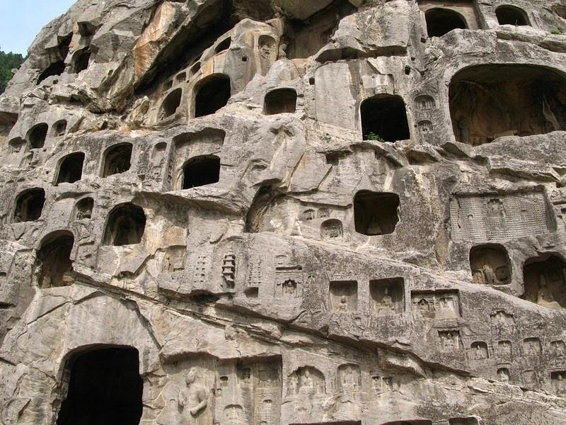 longmen-grottoes-2