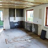 Køkkenet. Et ret stort rum, når der ikke er noget der fylder!