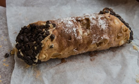 Mike's Pastry Florentine Cannoli