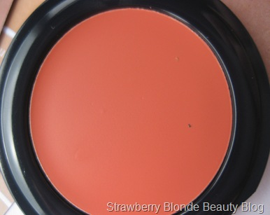 Liz Earle Cream Blush Coral (3)