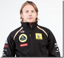 Kimi Raikkonen con la tuta Lotus-Renault
