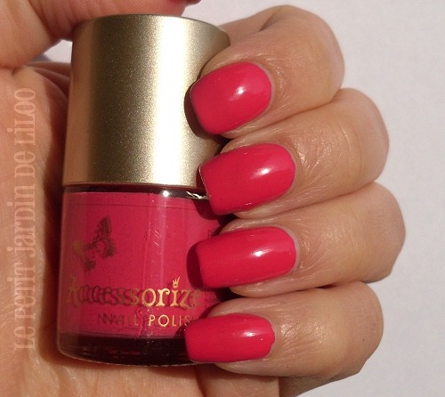 03-accessorize-nail-polish-passion-swatch-review
