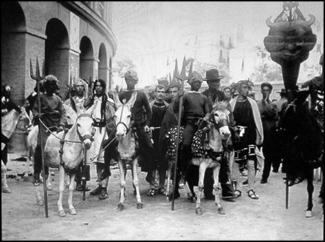 carnaval ante la plaza de toros1902