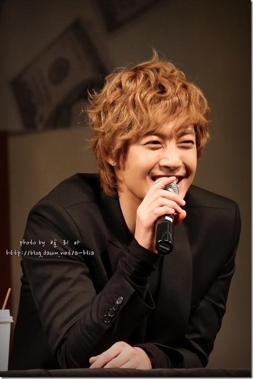 ahlia_Yongsan I'Park Mall 2 [11.10.30]