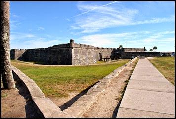 04a - Approaching Castillo de San Marcos